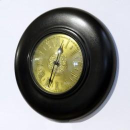 Кварцевые настенные часы c латунным циферблатом