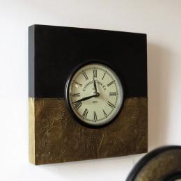 Настенные часы из дерева и латуни