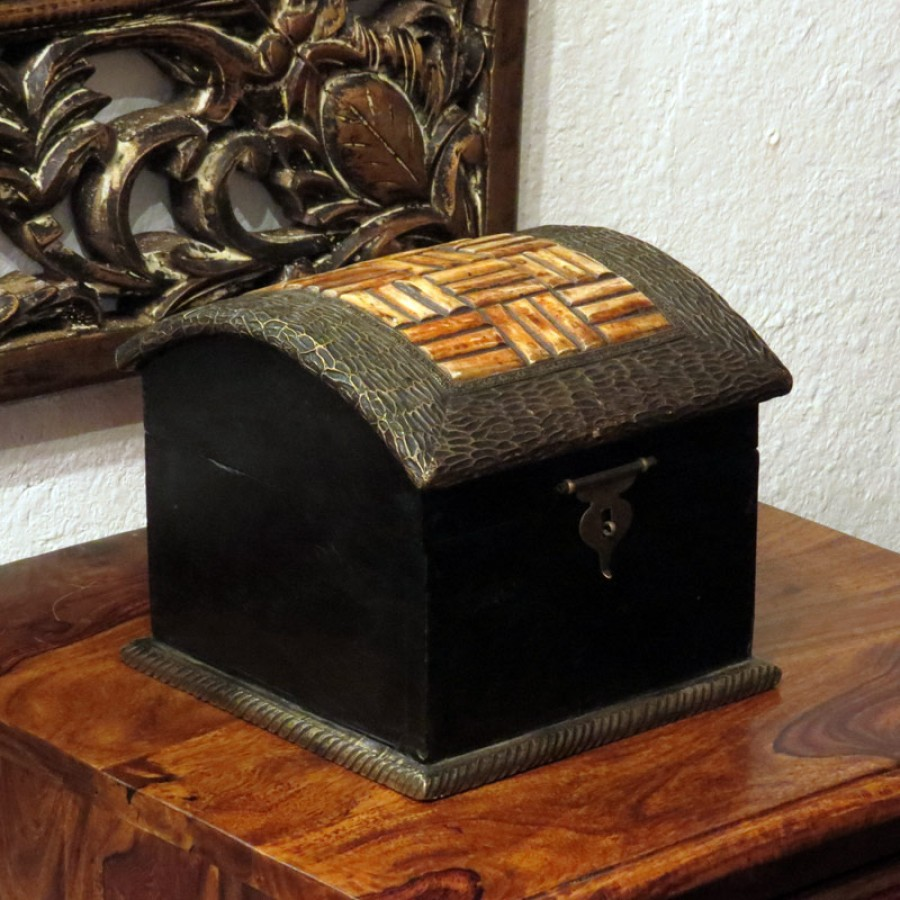 Индийская шкатулка для хранения украшений Lamba