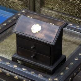 Комодик с часами в колониальном стиле Aadhunik