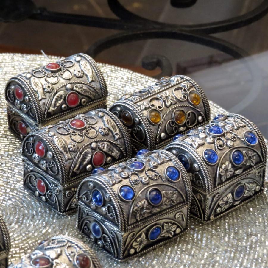 Маленькая серебряная шкатулка для украшений Chaandee