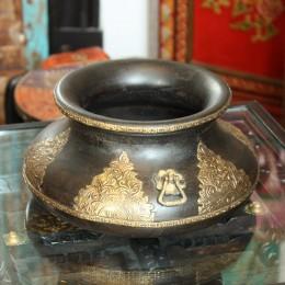 Декоративная чаша с чеканкой. Индия