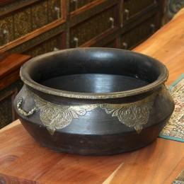 Индийская чаша из дерева с чеканкой