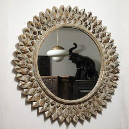 Зеркало-солнце в деревянной раме из массива РАШМИ