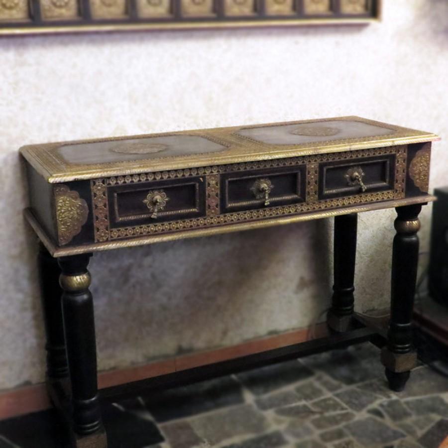 Консольный стол из массива палисандра. Индия