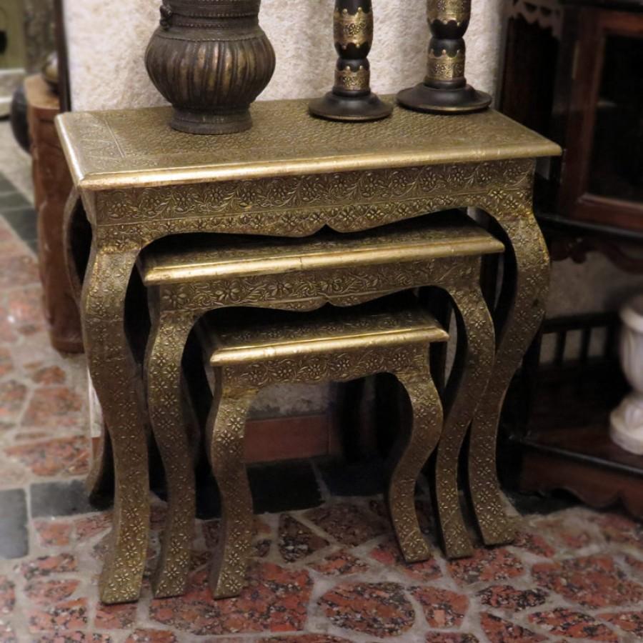 Столик с латунной чеканкой