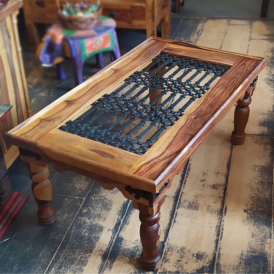 Журнальный стол из массива палисандра и металла. Индия