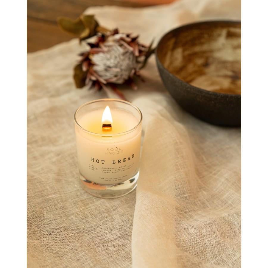 Ароматическая свеча HOT BREAD