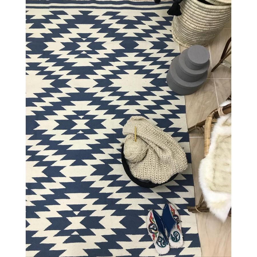 Безворсовый коврик с орнаментом