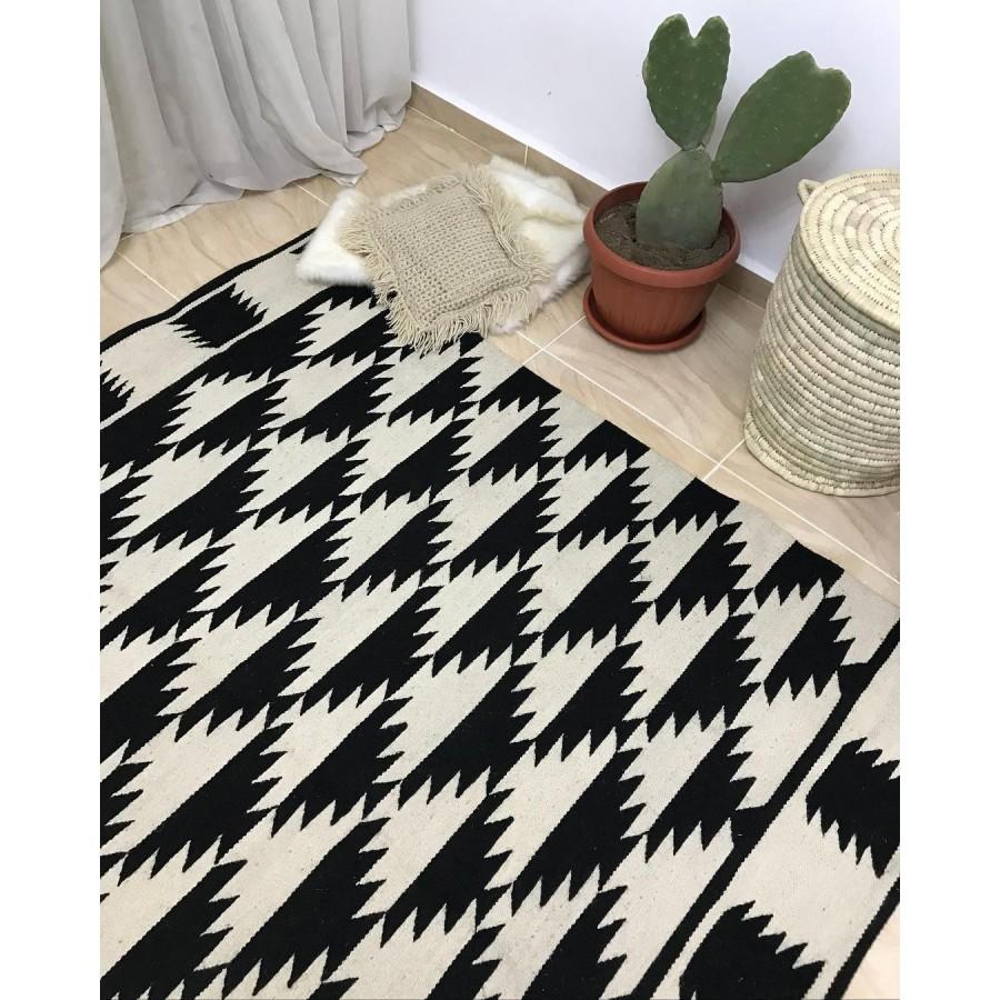 Черно-белый безворсовый коврик