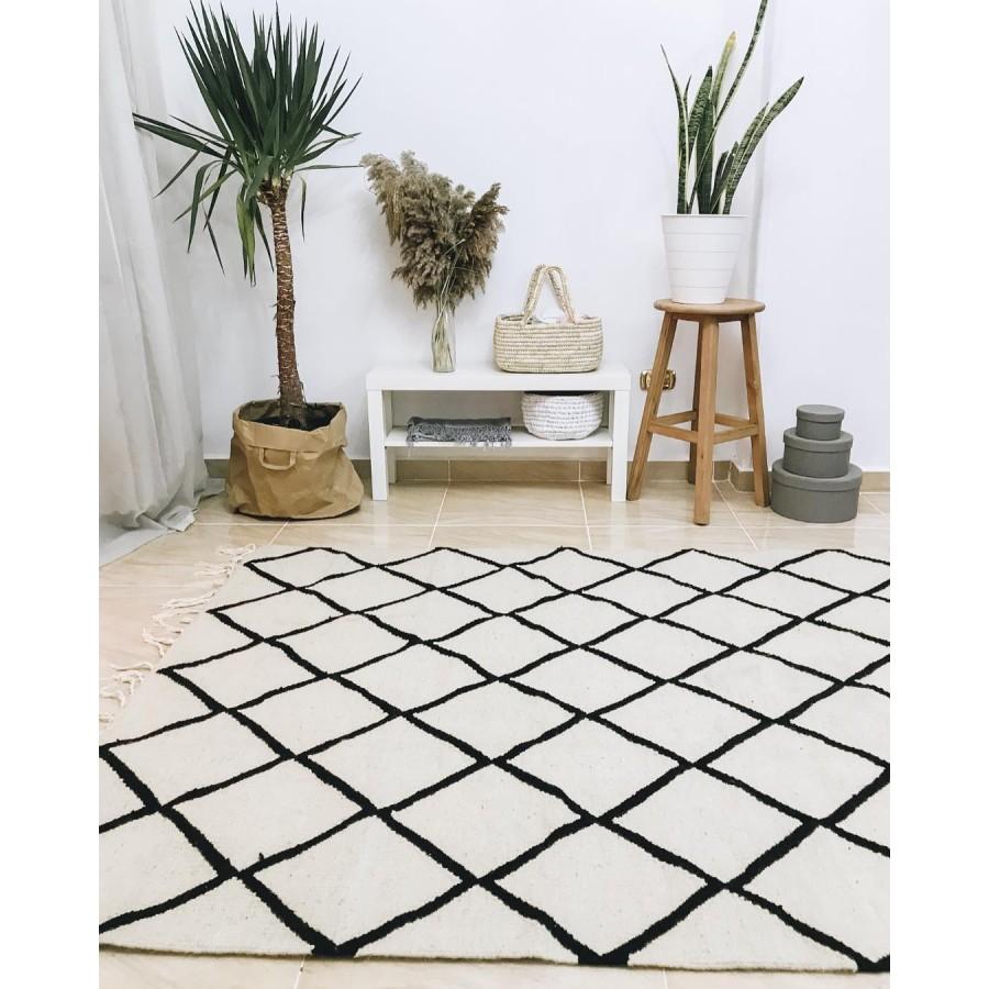 Ковер килим в скандинавском стиле