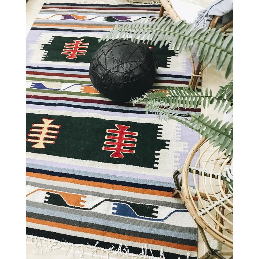 Шерстяной коврик в этно стиле