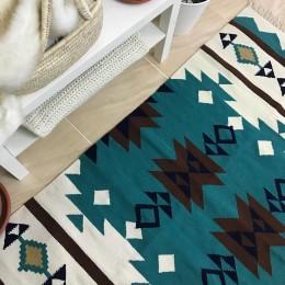 Шерстяной коврик в скандинавском стиле