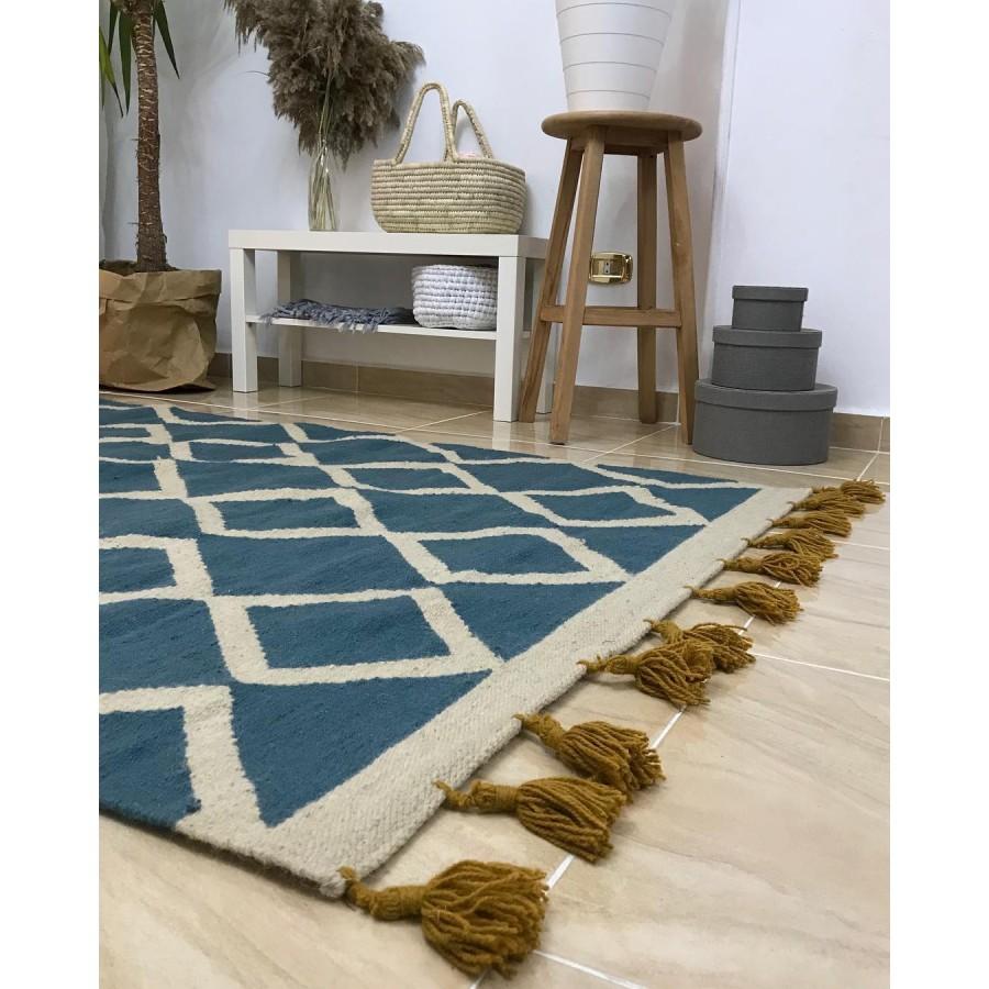 Восточный ковер килим с кисточками