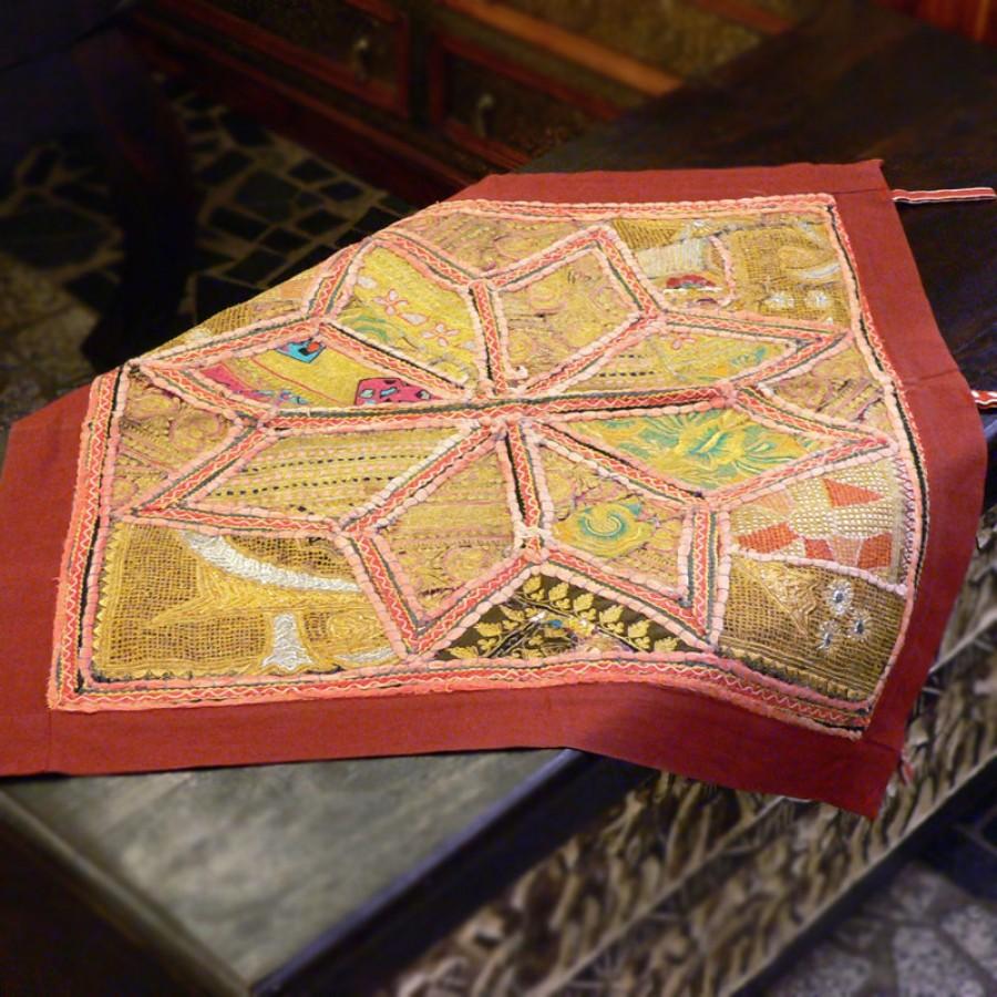 Расшитый маленький коврик из Индии, 65x65 см